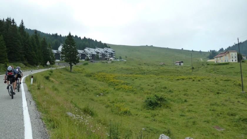 Rennradtour Passo Ampola - Passo Tremalzo: Mountainbiker