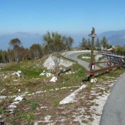 Monte Zugna: Serpentinen