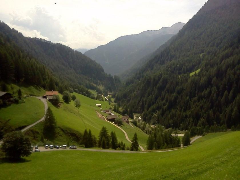 Blick nach Süden durch Pfunderertal