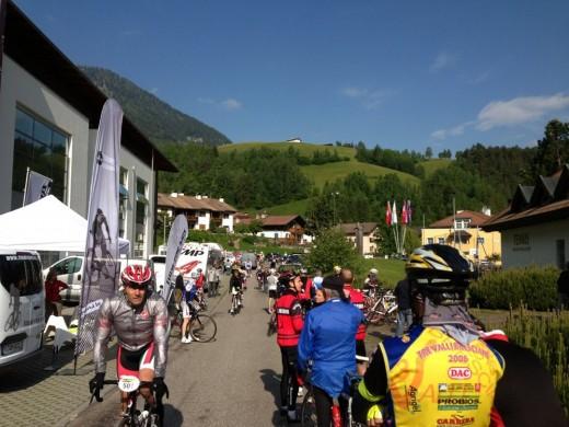 Start beim Gröden Radmarathon in St. Ulrich