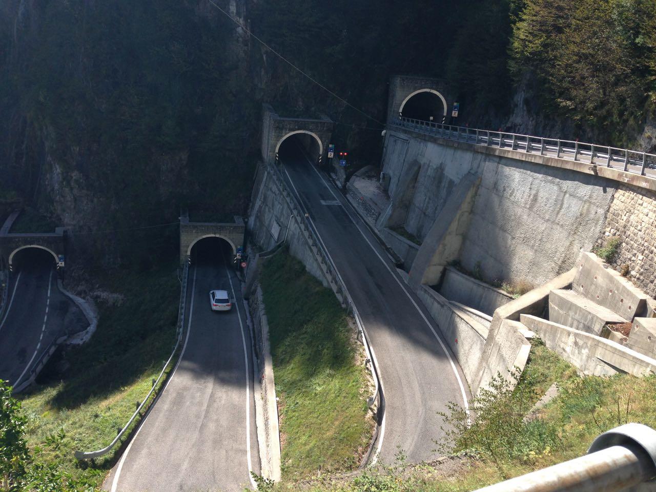 Rennradtour Passo Praderadego - Passo San Boldo / Tunnels