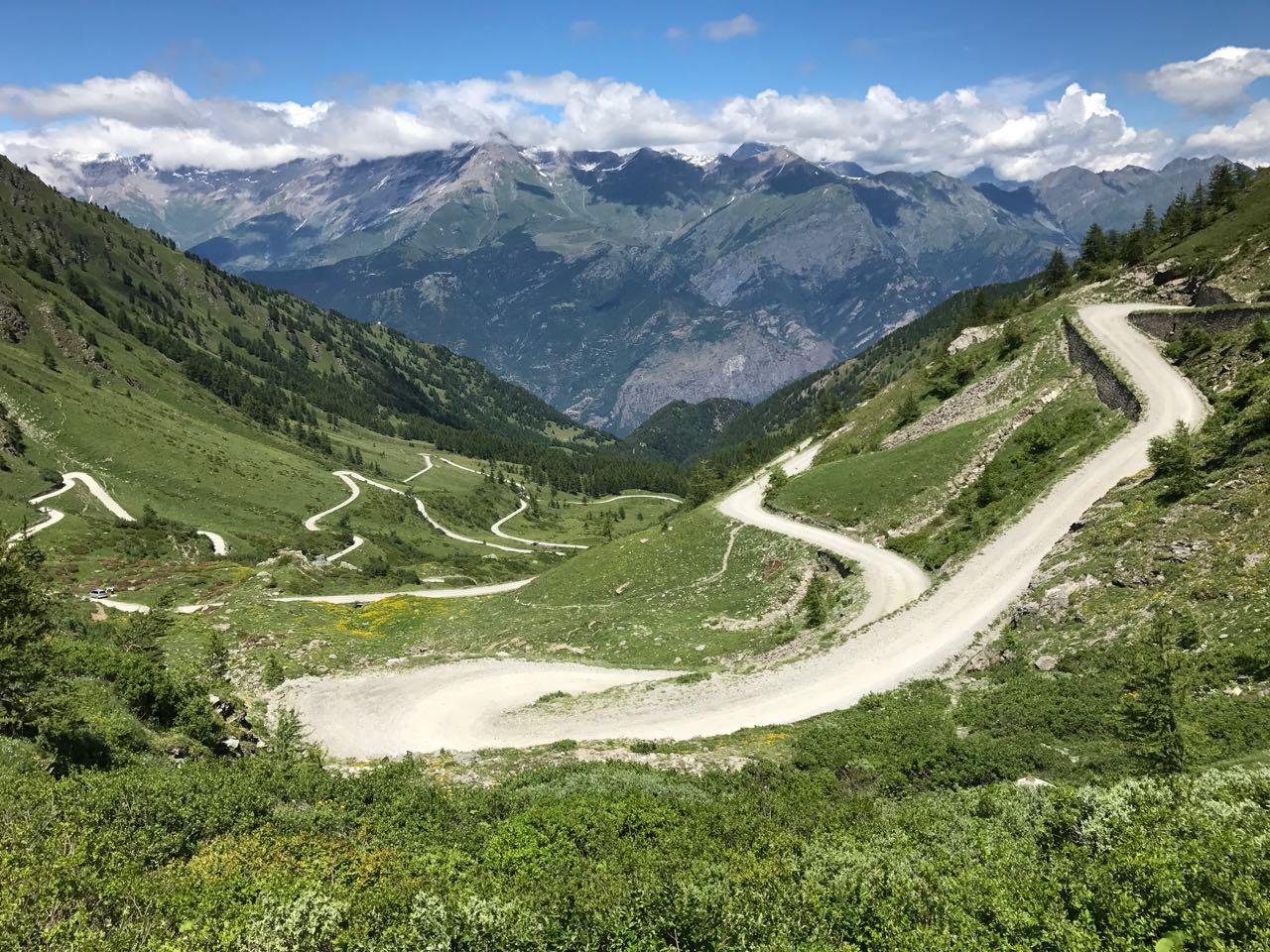 Rennradtour Sanremo - Bolzano: Schotterauffahrt Finestre